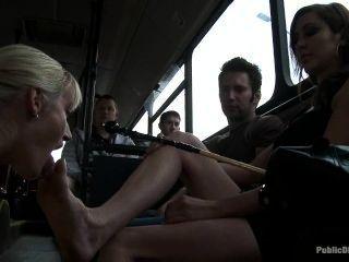 Lesben Fuß Herrschaft in Bus