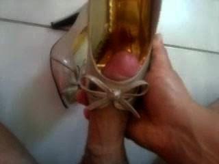 Sperma auf Schuhe
