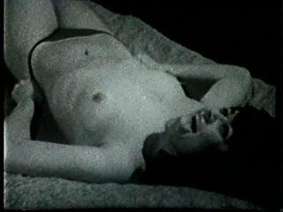 Softcore nudes 516 50er und 60er Jahre - Szene 3