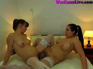 lesbisch Döbel Doppeldildo