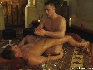 entdecken Sie diese erotische Tantra Ritual