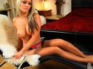 Blondie Küken mit Engelsgesicht Striping
