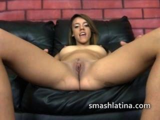 latina dünn Prostituierte verwendet wie Fleisch