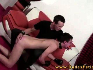 Homosexuell dominant verhaut seinen Homosexuell Slave
