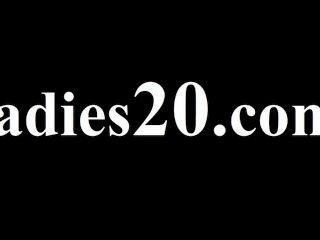 20yo subtile Babes ihre Fotzen lecken