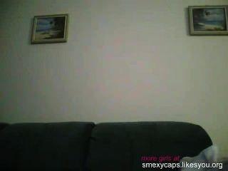 Teen masturbiert auf cam