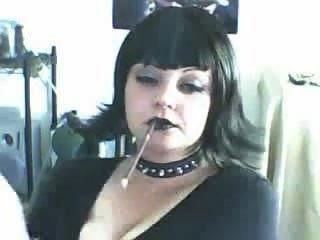 schöne Gothic Schlampe mehr 120s Rauchen