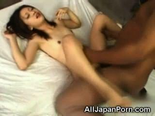 asiatische Gags auf schwarzen Schwänzen!