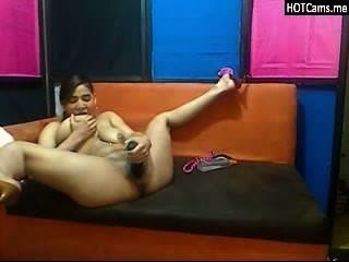 big tits latina Teenager ihre Muschi und anal Fisting didloing