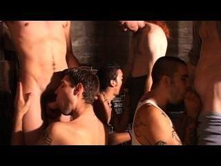 Homosexuell Bukkake Party - Szene 1