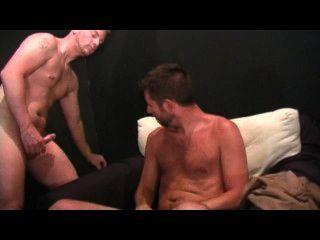 Homosexuell Amateur Spunk 2 - Szene 3