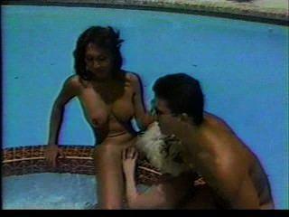 Transvestiten Dreier Pool Fantasie