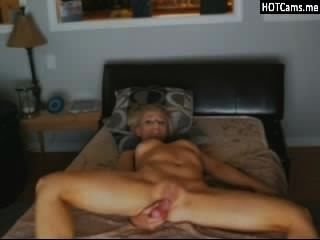 hot blonde spielen auf Webcam