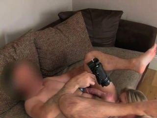 große Arsch und Titten Blondine im Büro gefickt