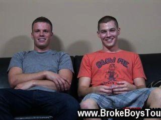 sexy Homosexuell jetzt hatten beide Jungen einen Schweiß von all ihre harte Arbeit aufgearbeitet