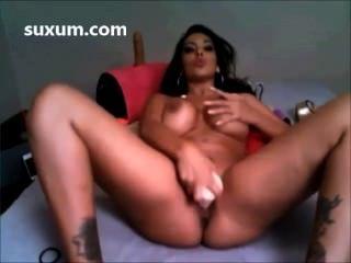 Schlampe Brünette ihre Muschi mit einem Dildo großen Titten Ficken