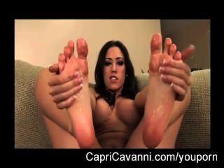 capri cavalli (cavanni) Öle und saugt ihre Füße