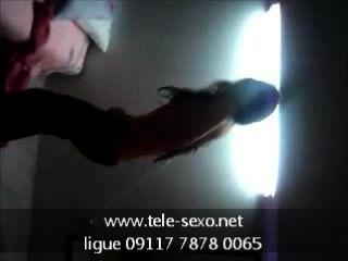 gleichaltrige Mädchen zeigt ihre Titties www.tele-sexo.net 09117 7878 0065