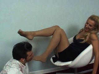 Herrin nicole - küssen ihren Fuß