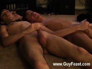 hot Homosexuell Sex jared ist nervös über seine erste Zeit auf Wichsen