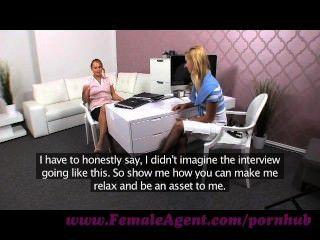 weiblicher Agent. lassen Sie mich Ihnen zeigen, wie man eine Frau Vergnügen