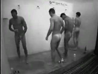 hart in der Dusche