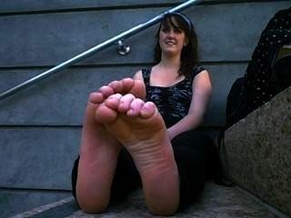 sehr stinkende heißes Mädchen Füße