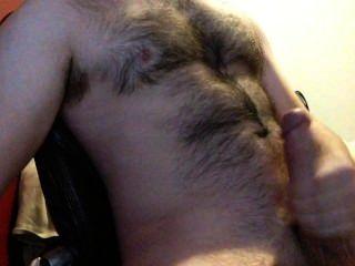 meine riesigen Schwanz Rucken, bis ich cum große Lasten auf meine behaarte Brust