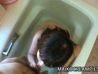 kaoru Kuriyama: orientalische MILF erhält harten Sex