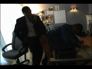 hot Papa fickt Junge im Büro