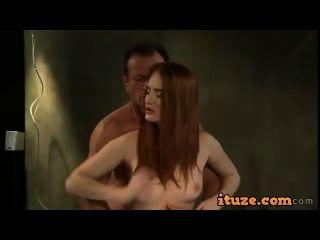 Rotschopf Arsch geleckt und Muschi creampied
