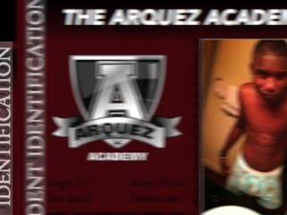 Willkommen auf der neuen Arquez Akademie, wo Sie die nächste Pornostar abstimmen