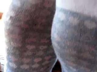 stinkende verschwitzten Socken und Turnschuhe trashed