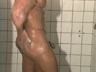 Herr. muscleman - Fitness-Studio Ratte [Dusche]