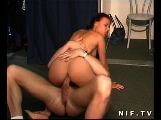 Französisch Schlampe hart anal gefickt