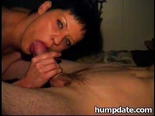 sexy Frau gibt schönen Blowjob