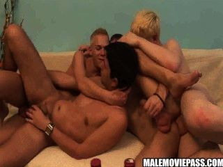 vier geile hunks einige betrunkene Gruppe Sex
