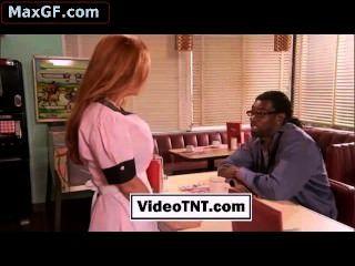 geile Kellnerin schwarz weiß interracial oral pornstar mollig Hure schön
