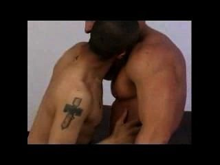Homosexuell zwischen verschiedenen Rassen (Schwarzes / ltn + wht) Nippel Spiel und Missionarsstellung: set 01