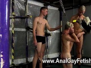 Homosexuell Porno Aiden hat seinen Kumpel Diakon um und die Jungs entscheiden, sie wollen