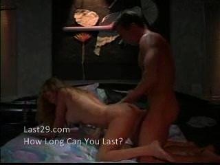 sexy Schlampe gefickt auf der Couch