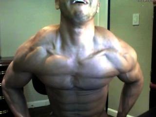 hot webcam Junge - große muskulösen Körper und riesigen Schwanz
