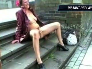 die lange pissen britische Milf von satyriasiss