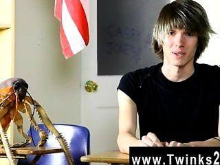 hardcore Homosexuell junge Casey Jones ist 18 Jahre alt und frisch auf den Porno