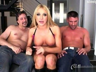 Nackt Ex-Freundin Strippen