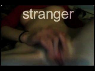 sexy Teen masturbiert auf Webcam hautnah
