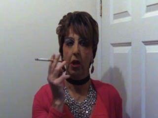mandytv1 Cross-Dressing Rauchen hag