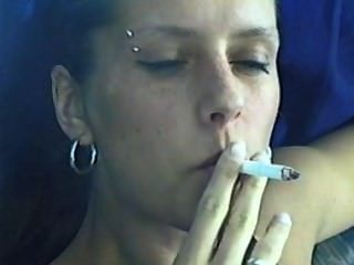 Mädchen rauchen davidoff magnum Zigarette pt. 2