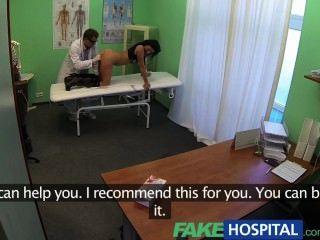fakehospital Smart reife sexy MILF hat ein Sex-Geständnis machen