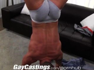 gaycastings Muskel tatted Zuckungen Stud off on cam für